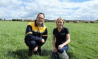 Andrew Dale and Elizabeth Earle (AgriSearch) discussing the upcoming GrassCheck farm walk at Andrew's farm.
